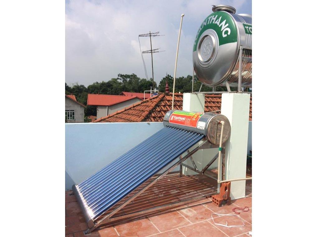 Tư vấn lắp đặt máy nước nóng năng lượng mặt trời Toàn Thắng để có hiệu quả sử dụng tốt nhất.