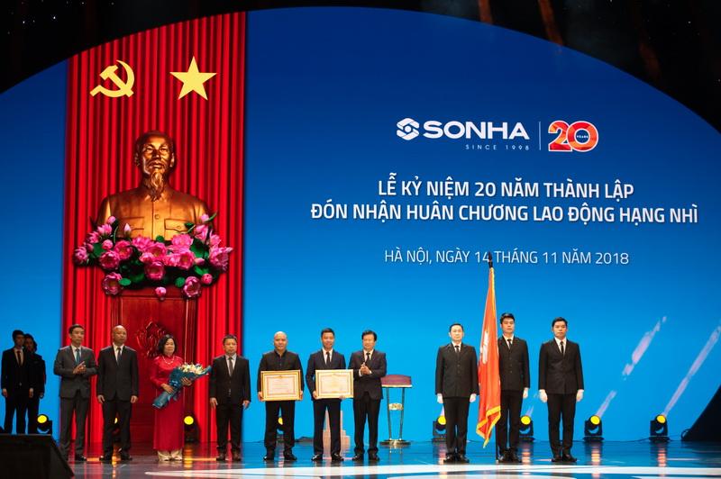Toàn Thắng tham gia Lễ đón nhận Huân chương lao động hạng Nhì & kỷ niệm 20 năm thành lập tập đoàn Sơn Hà!